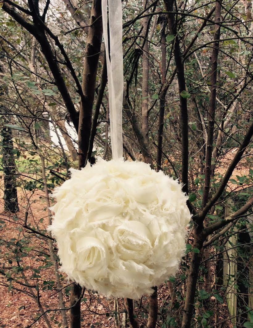 One 6 shabby chic kissing ball flower girl pomander wedding one 6 shabby chic kissing ball flower girl pomander wedding decoration antique white wedding diy wedding accessory church aisle decor junglespirit Gallery