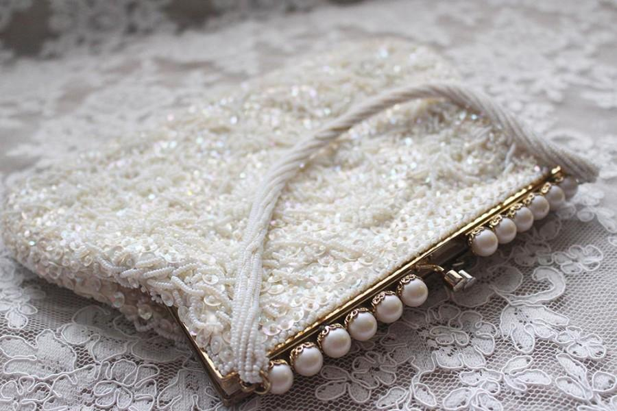 Свадьба - White Beaded Clutch/ Beaded Purse/ Vintage Beaded Purse/ Vintage Beaded Clutch/ Beaded/ Bridal Beaded Clutch