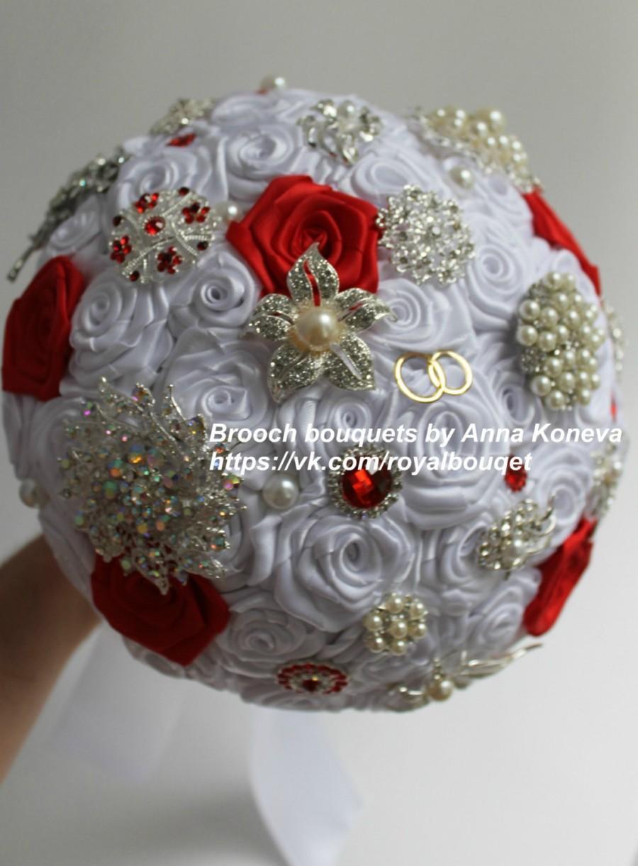 Hochzeit - Red brooch bouquet Heirloom bridal broach bouquet Wedding bouquet Brooch beach bouquet Bridal brooch bouquet White  bouquet Red bouquet.