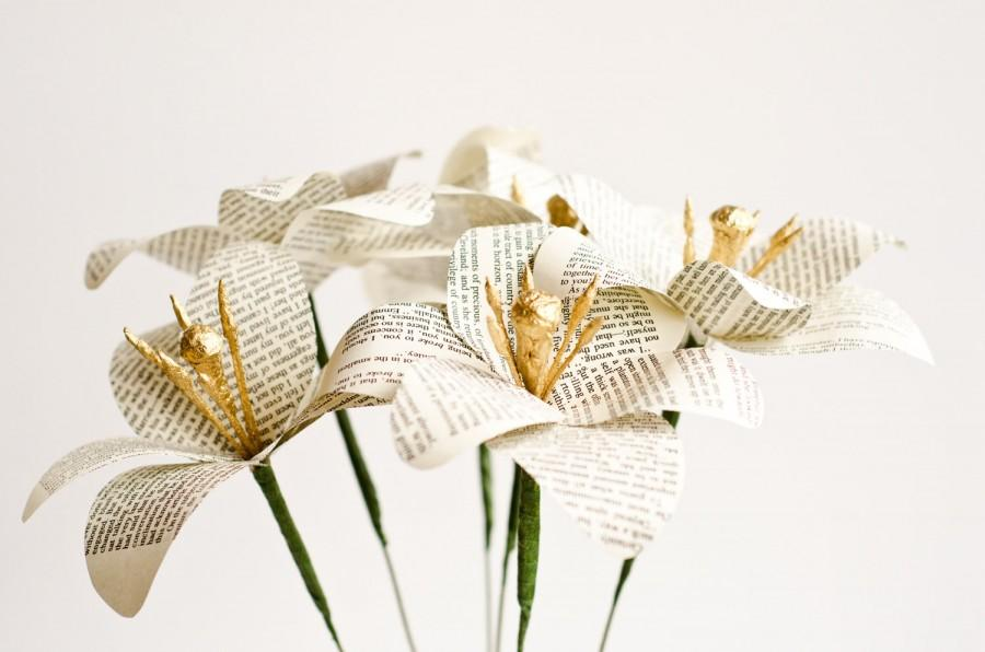 Hochzeit - Paper Lilies made from Books - Half Dozen Flower Stems - Choose from Jane Austen, Harry Potter, Hymnals, Game of Thrones - Color Customized