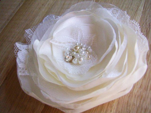 Свадьба - Bridal Ivory Hair Flower Buy More Pay Less Bridesmaids Hair Clips Ivory Wedding Accessory Bridal Flower Hair Clip Ivory Headpiece Wedding