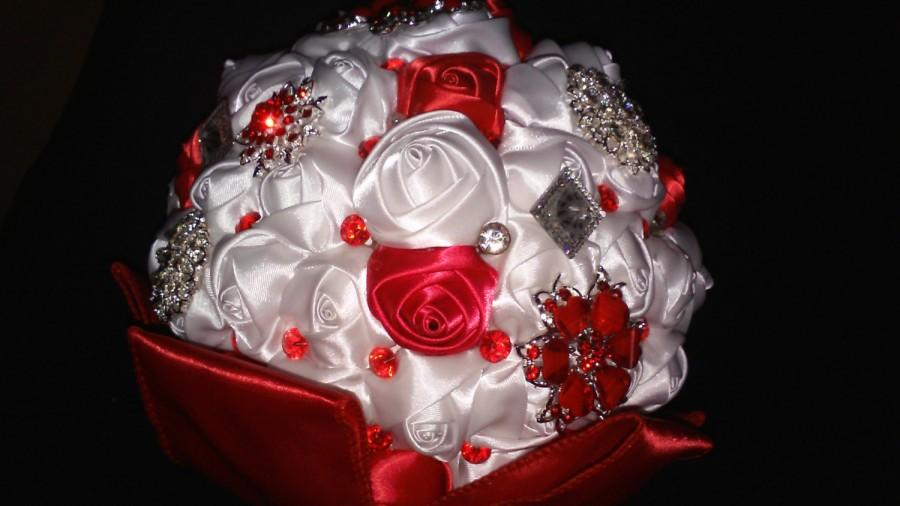 Свадьба - Red and White Brooch Bouquet