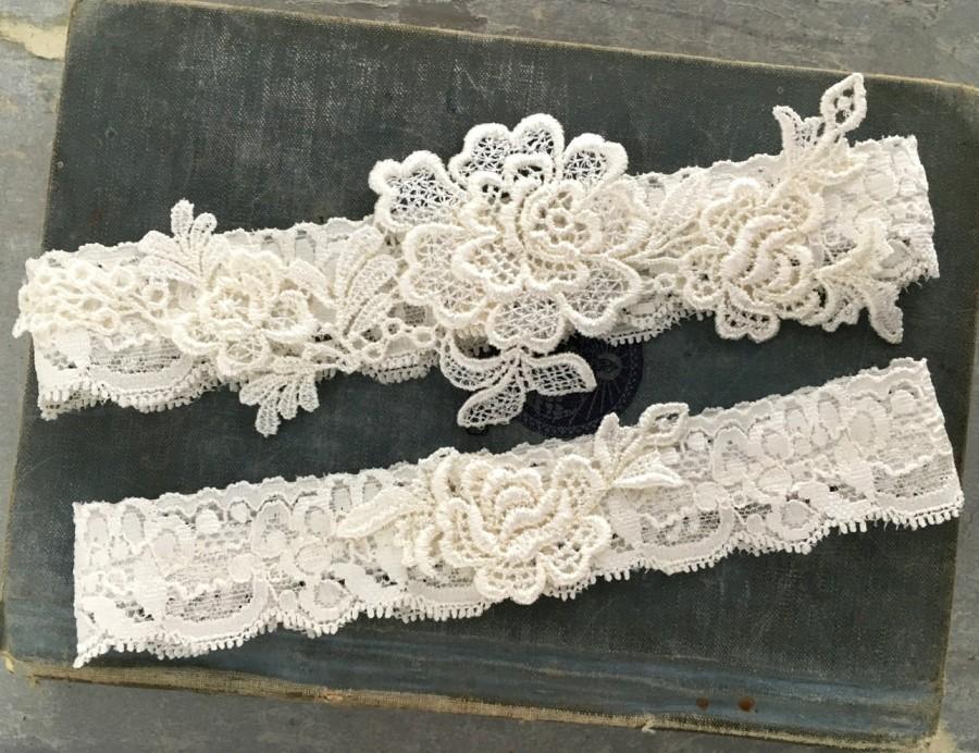 """Свадьба - Lace Wedding Garter Set, Bridal Garter Set, Lace Garters, Simple Garter, Toss Garter - Ivory or White - Vintage Style Wedding - """"Everley"""""""