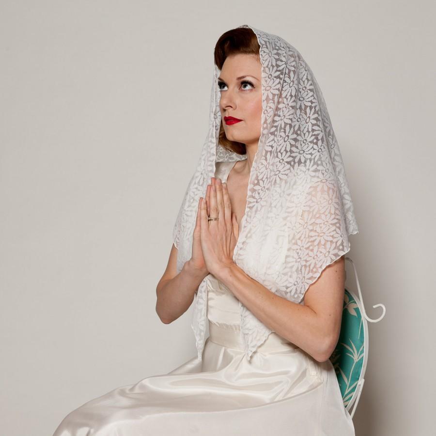 Mariage - Vintage 1960s Mantilla Veil White Lace Floral Sacred Bridal Fashions