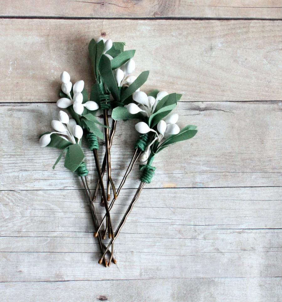 Свадьба - White pip berries hair clip,  Whimsical, botanical, garden wedding, bridesmaids, Hair Accessories. Woodland, white hair clip.