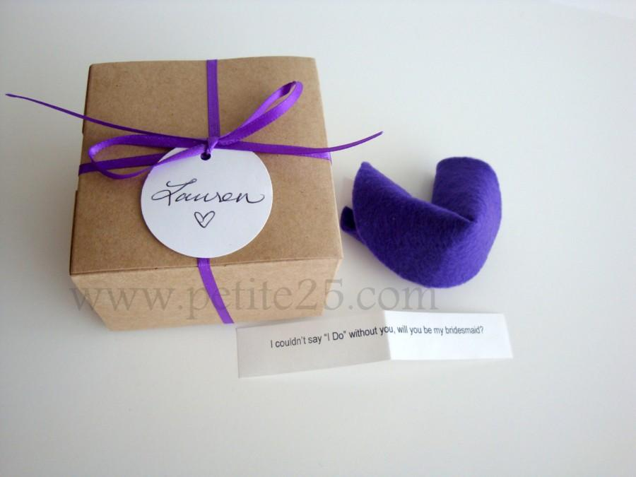 Hochzeit - Bridesmaid Invitation: ONE (1) Felt Fortune cookie, wedding favor, place card, secret message, Will you be my bridesmaid