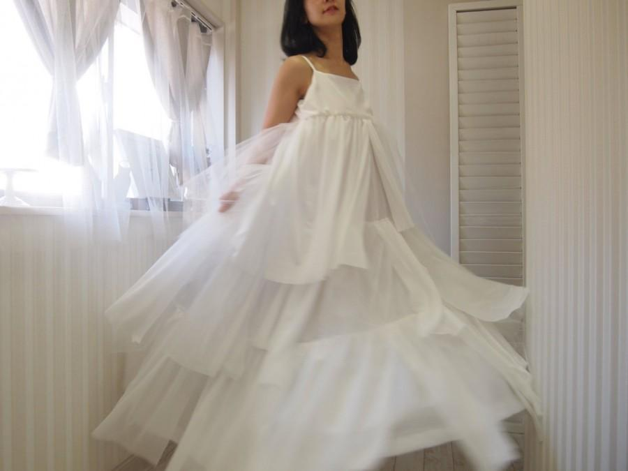 Mariage - White maxi dress,simple wedding dress,empire wedding dress,tulle and mesh skirt,reception dress,beach wedding,boho wedding,country wedding