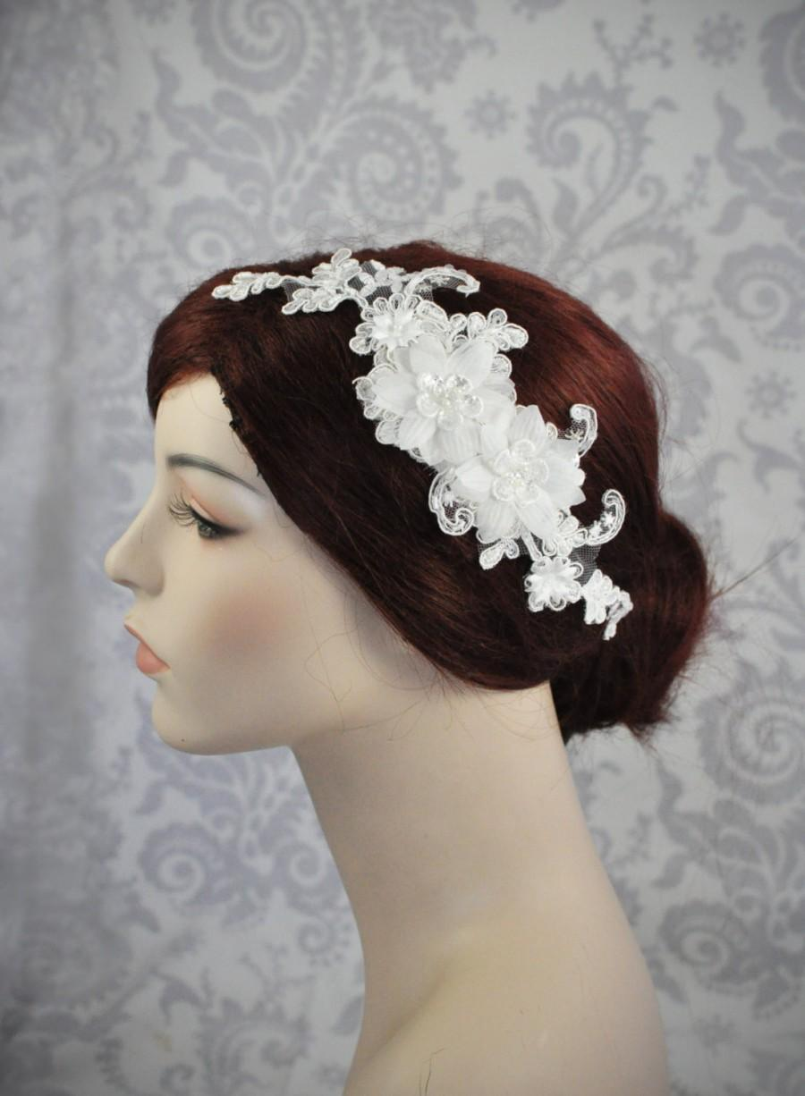 Mariage - Lace Bridal Headpiece, Bridal Hair Accessories, Silk Flowers in Ivory Off White, Lace Bridal Headpiece on a Hair Comb - 104HP