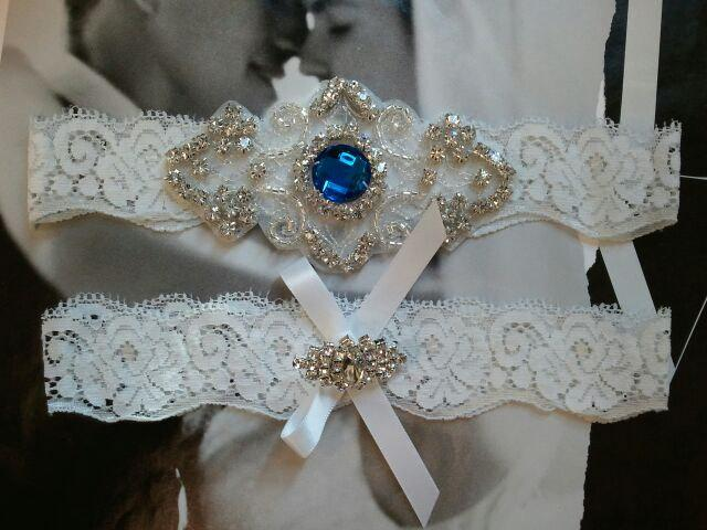 Mariage - Sale - Wedding Garter and Toss Garter - Something Blue Garter Set with Rhinestone on a White Lace - Style G202