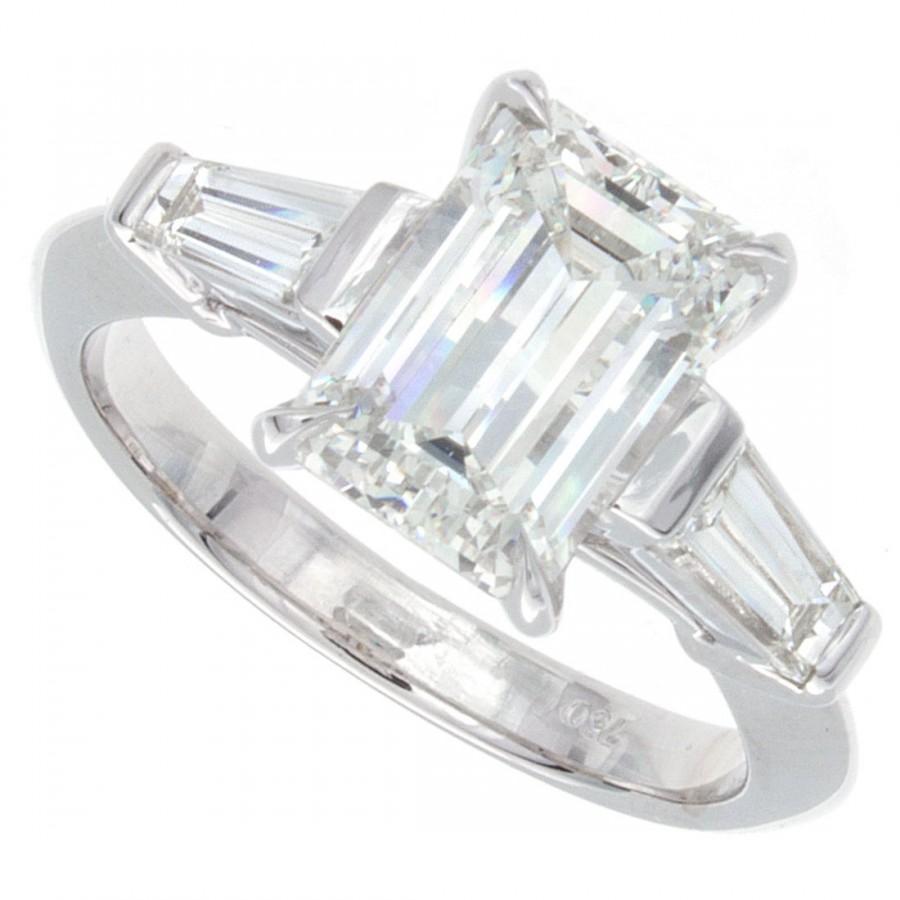 Свадьба - 2.20ct Emerald Cut Diamond Engagement Ring