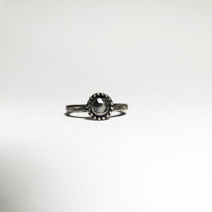 زفاف - Silent & Gray diamond solitaire; morrissey diamond; natural rosecut diamond; salt and pepper diamond; rosecut diamond engagement  ring;