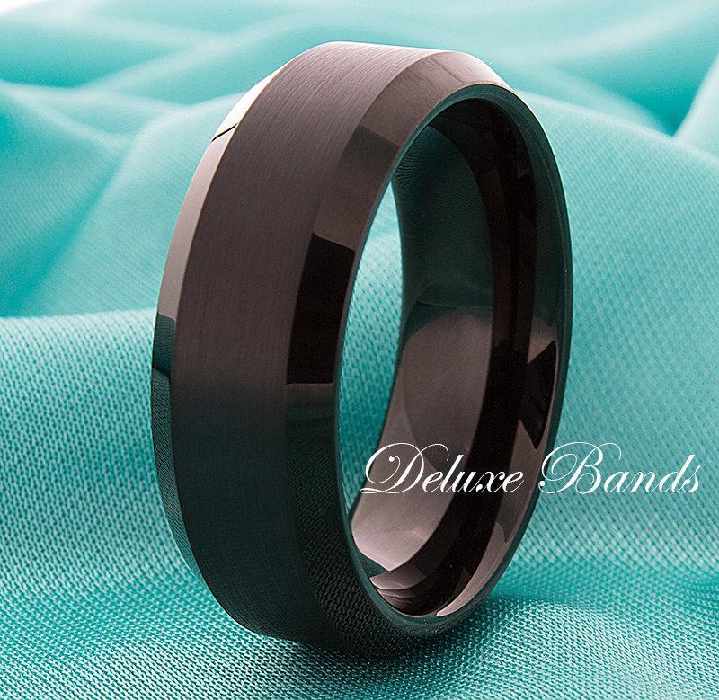 Свадьба - Black Tungsten Wedding Band,Black Tungsten Ring,Tungsten Anniversary Ring,Beveled Edges,Tungsten Wedding Ring,Mens Womens Band,Engraving