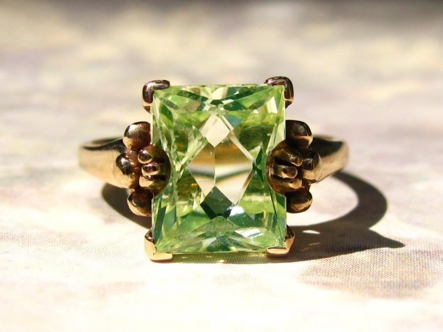 Wedding - Vintage Emerald Cut 3.79ct Yellow Green Spinel Ring Alternative Engagement Ring 10K Yellow Gold August Birthstone Ring Size 6!
