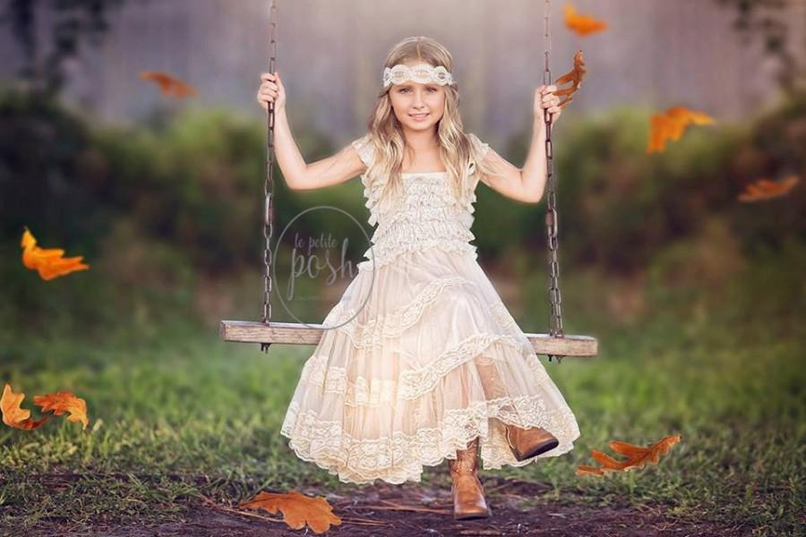 Hochzeit - flower girl dress, flower girl dresses, lace baby dress, easter dress, rustic flower girl dress, lace flower girl dress, country flower girl