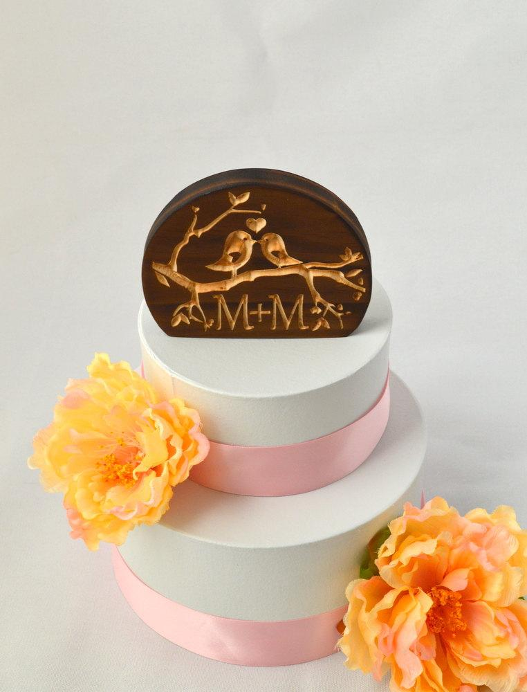 Mariage - Love Birds Solid Wood Wedding Cake Topper with your personalized custom initials