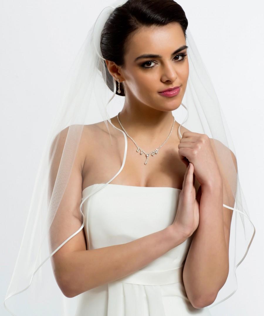 Mariage - Bella Ivory Satin Edge Wedding veil, Tulle Bridal Veil