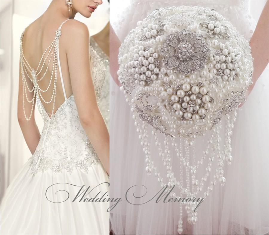 Свадьба - BROOCH BOUQUET. Wedding ivory pearl cascading Brooch Bouquet, jeweled bling ivory boquet by MemoryWedding