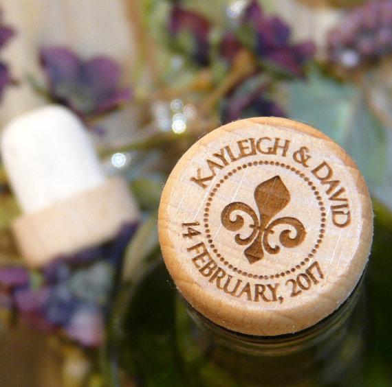 Custom Wine Stopper Personalized Reusable Cork Fancy Script Laser Engraved Monogram Fleur De Lis Wedding Favor Reunion Keepsake