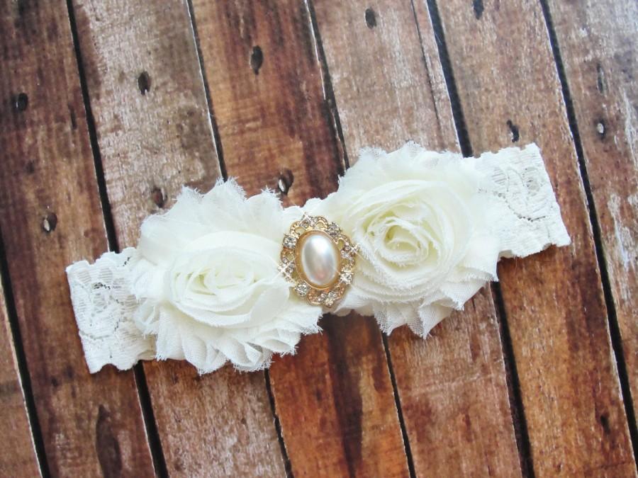 Свадьба - Ivory Garter, Bridal Garter, Lace Wedding Garter, Pearl Garter, Fairytale Wedding, Gold Garter, Leg Garter, Victorian Wedding