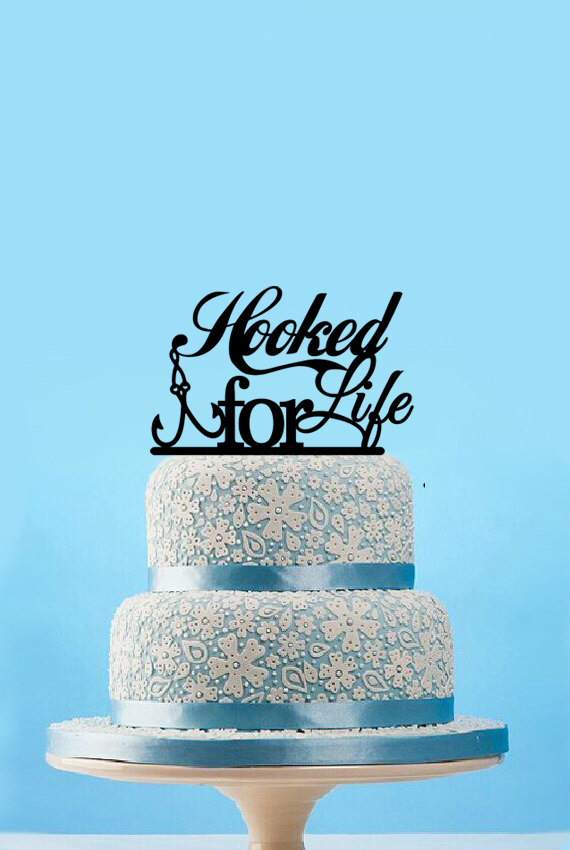 Свадьба - Hooked For Life Fishing Wedding Cake Topper - Custom Cake Topper-Wedding Bridal Shower Cake Topper-Fish CakeTopper-hooked for life decor