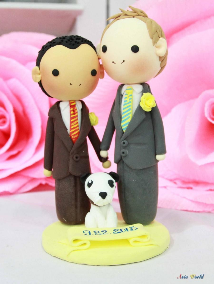 Свадьба - Gay Wedding Cake topper clay doll , Same sex Clay Couple with puppy, wedding clay figurine decoration, rings holder clay miniature