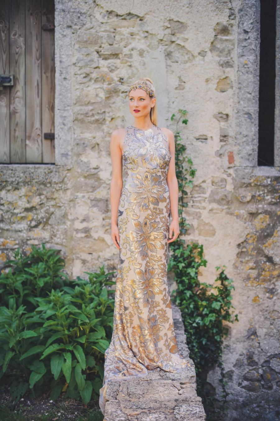 strikingly beautiful gold and silver wedding dress silver wedding dresses Strikingly Beautiful Gold and Silver Wedding Dress