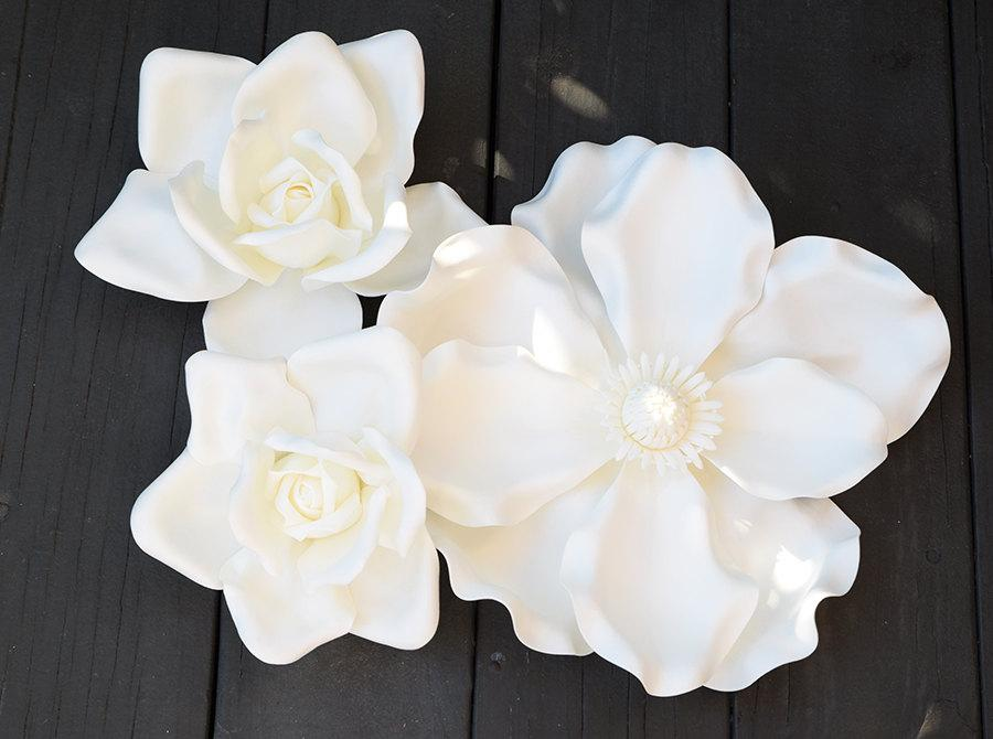 Hochzeit - Wedding Party Decor Large Flower - Giant White Rose Perfect for Arch, Centerpiece Photo Prop or Home