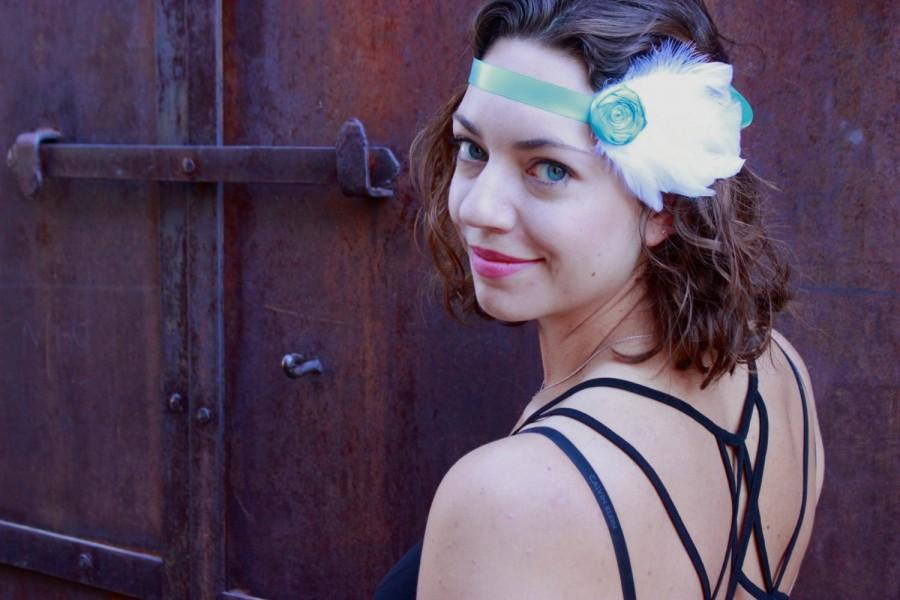 Свадьба - Ooak 1920s Flapper Style Feather Headband. White & Blue. Cruelty Free Natural Feathers. Romantic. Boho Chic. Bridal. Party. READY TO SHIP