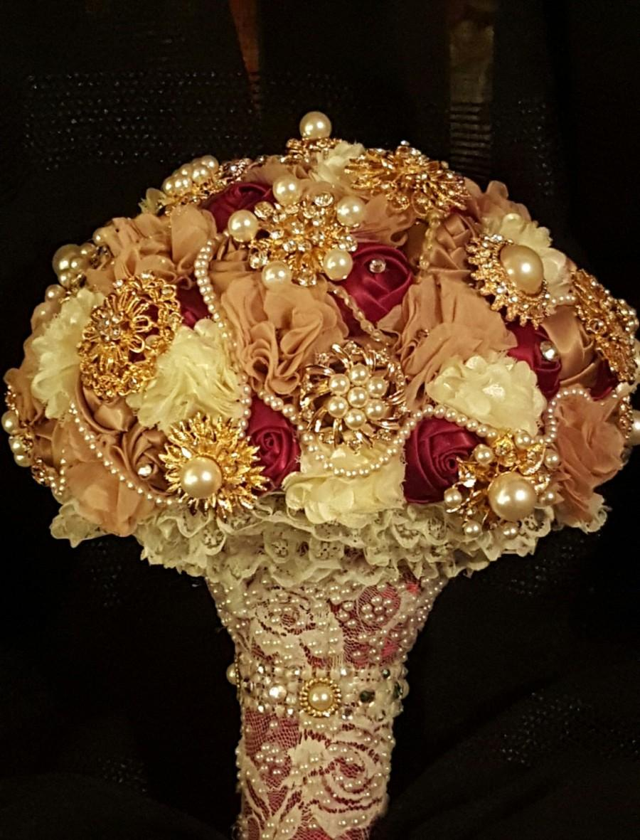 Mariage - Cream, Tan and Burgundy Brooch Wedding Bridal Bouquet