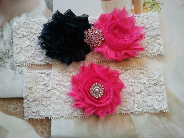 Свадьба - Bridal Garter, Wedding Garter and Toss Garter -Navy / Hot Pink Flowers on a Stretch Ivory Lace with Pink Crystal Rhinestones - Style G2195