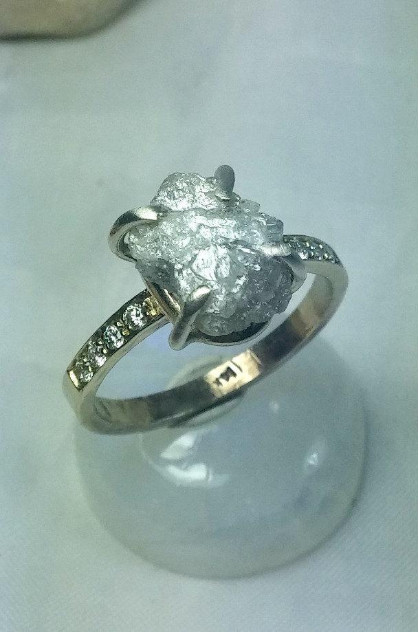 زفاف - solitaire raw diamond ring, engagement ring, snow white rough dioamond multistone ring, solid gold engagement ring