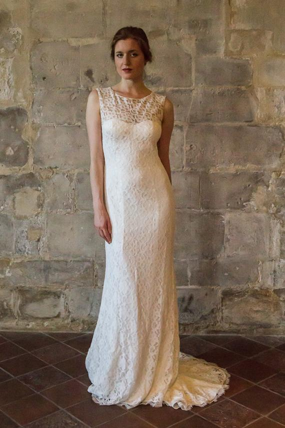Vintage style wedding  Lace Wedding Dress Transparent Low Back/ Long Train Vintage Style ...