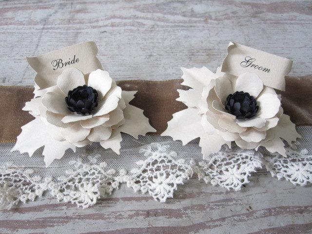 زفاف - Bride and Groom Paper Flower Place Cards