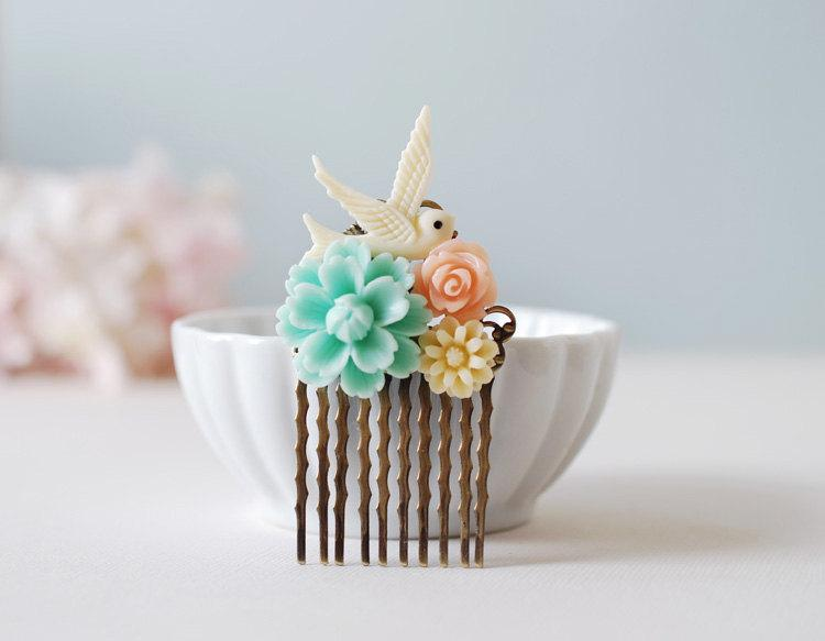 Hochzeit - Bird and Flowers Hair Comb. Ivory Bird, Blue Flower, Peach Pink Rose, Ivory Daisy Collage Hair Comb. Wedding Hair Comb, Bridesmaid Gift