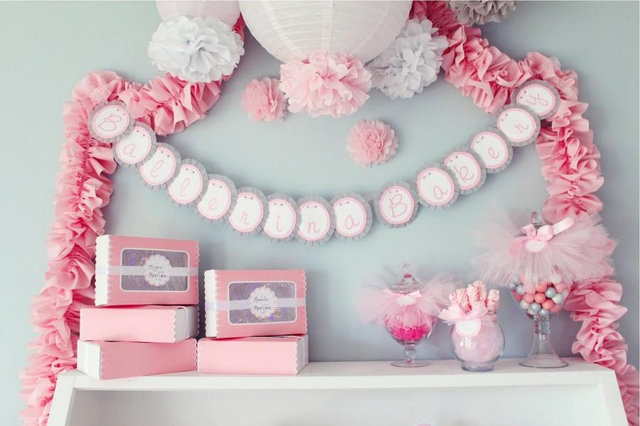 Wedding - Bella Collection- 5 Pom Poms- Ballerina Birthday/ Little girls party decoration/ photoshoot props/ baby shower decortation
