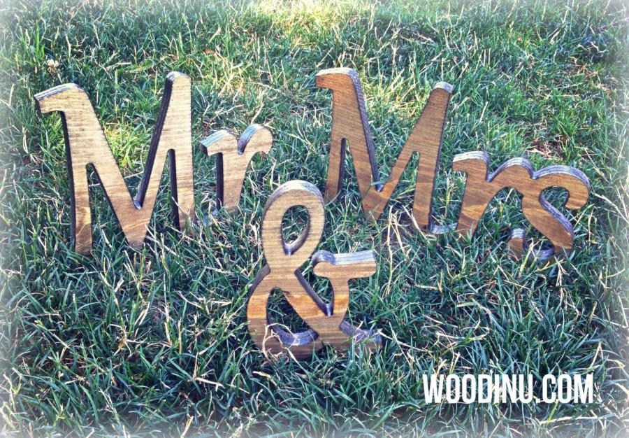 Свадьба - Rustic Wedding Decor - Rustic Wedding Signs - Rustic Wedding -  Rustic Mr and Mrs Sign - Mr and Mrs Wedding Photo Prop - Rustic Mr and Mrs