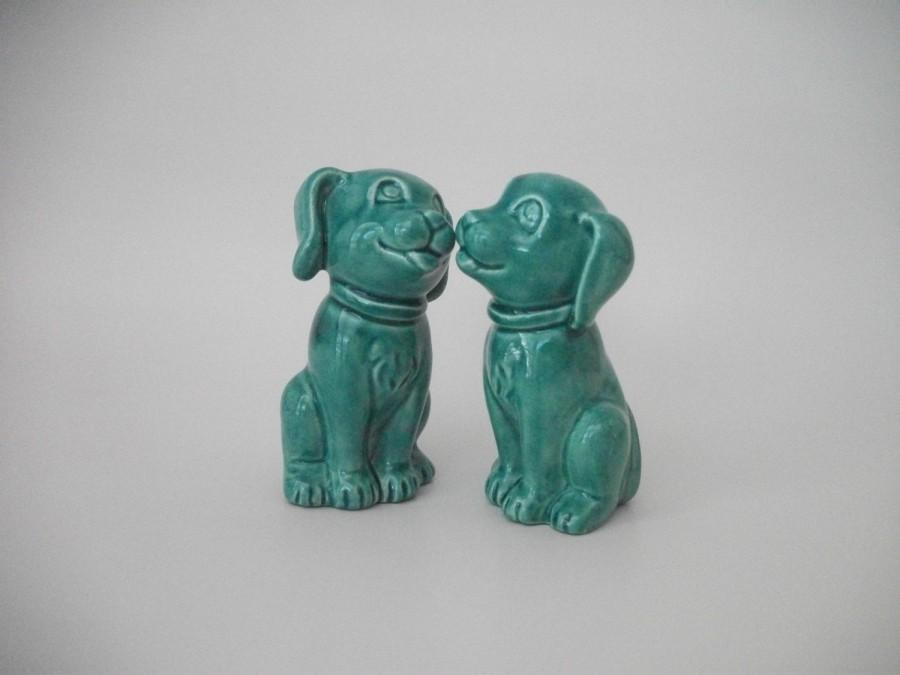 Mariage - Dog Wedding Cake Toppers in Sea Mist Green or Color of Choice (45 Color Choices), Wedding Gift, Anniversary Gift, BFF Gift