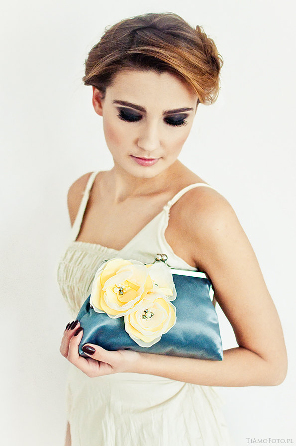 Wedding - Wedding Purse Grey Yellow Ivory Bunch of Flowers Bridesmaids Gift Bridal Clutch