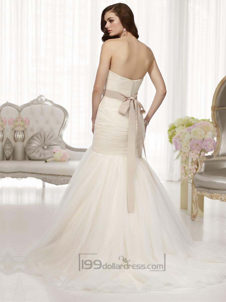 Fit and flare sweetheart ruched bodice wedding dresses for Fit and flare ruched wedding dress
