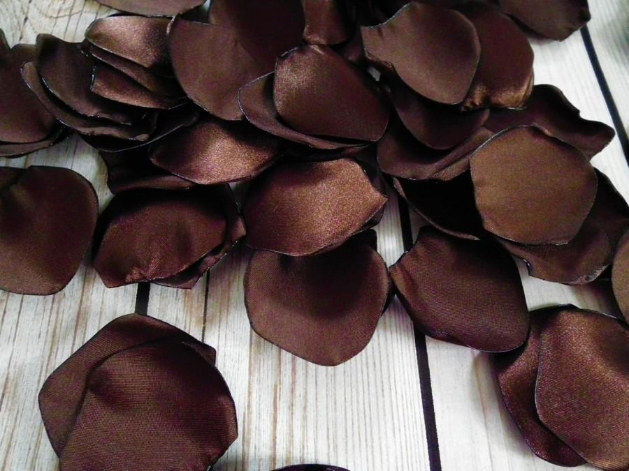 Свадьба - Brown (chocolate brown) satin rose petals  - for wedding basket, aisle decor, anniversary, or romantic date night, made to order