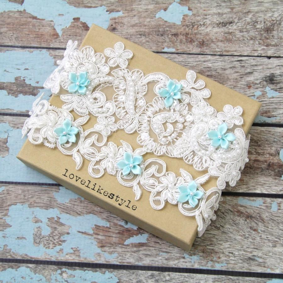 Свадьба - Ivory Pearl Beaded Lace with Mint Blue Flower Wedding Garter Set , Ivory Lace Garter Set, Toss Garter , Keepsake Garter  / GT-44
