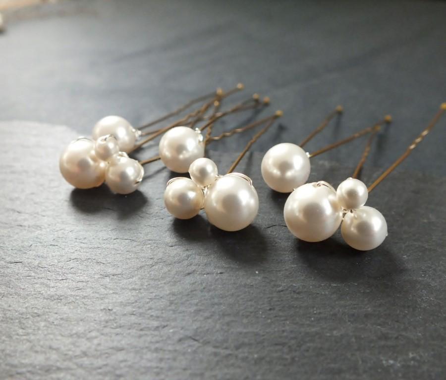 Свадьба - Set of 6 swarovski pearl hair pin, 3 pearl clusters and 3 single pearls,hair pin,wedding hair, bridal hair accessory, brides bridesmaid prom