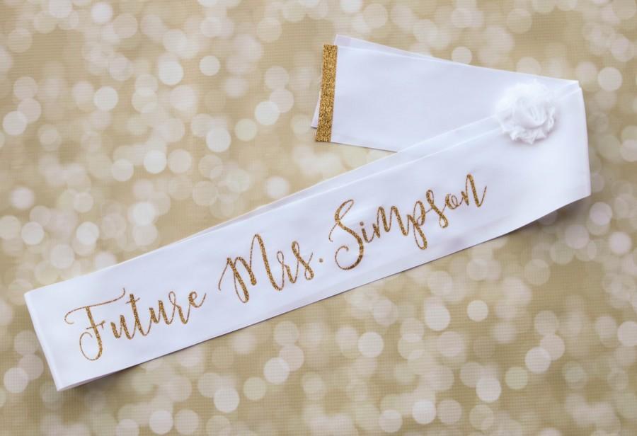 Mariage - Personalized Bachelorette Sash - Bridal Party Sash - Glitter Custom White Satin Sash - Bridal Shower Bride to Be