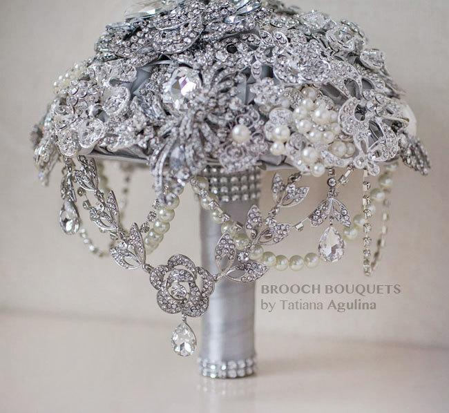 Mariage - FULL PRICE! The Great Getsby Crystal wedding brooch bouquet, Jeweled Bouquet. Ready to ship
