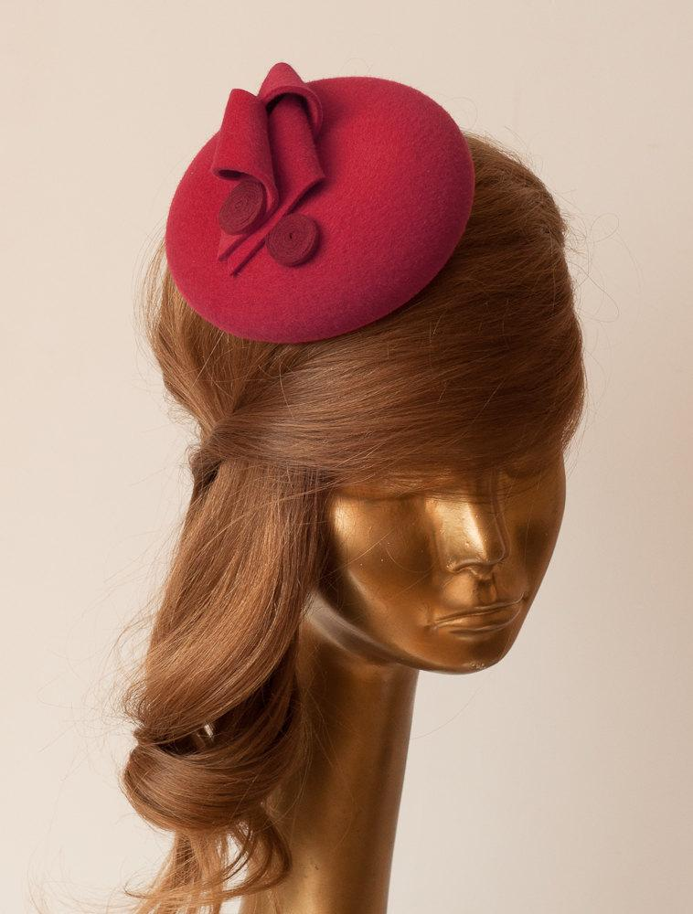 زفاف - Unique MODERN Red Fur Felt FASCINATOR. Fascinator for Women