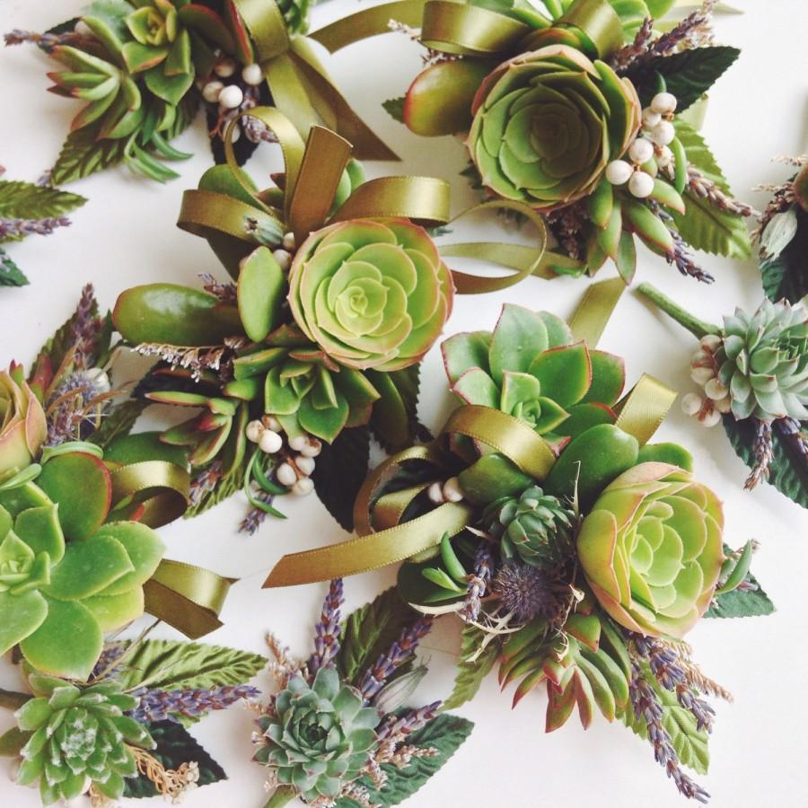 Свадьба - Succulent Corsage // Organic