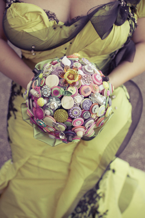 Hochzeit - The Curiouser and Curiouser Button Bouquet Wedding  - Alice in Wonderland