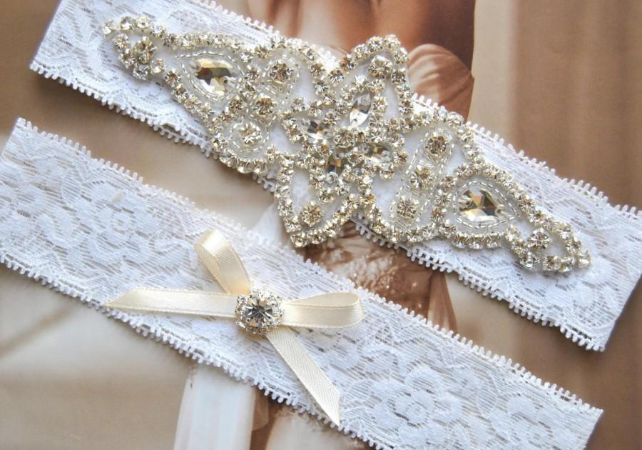 Свадьба - Bridal Garter Set, Crystal Garter Set, Wedding Garter Set Ivory,Vintage Wedding, Lace Garter, Ivory Rhinestone Garter and Toss Garter Set
