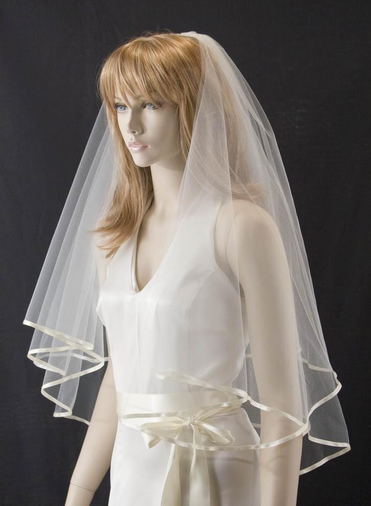 Mariage - wedding veil - 25x30 waist length bridal veil - 2 layer with quarter inch ribbon trim