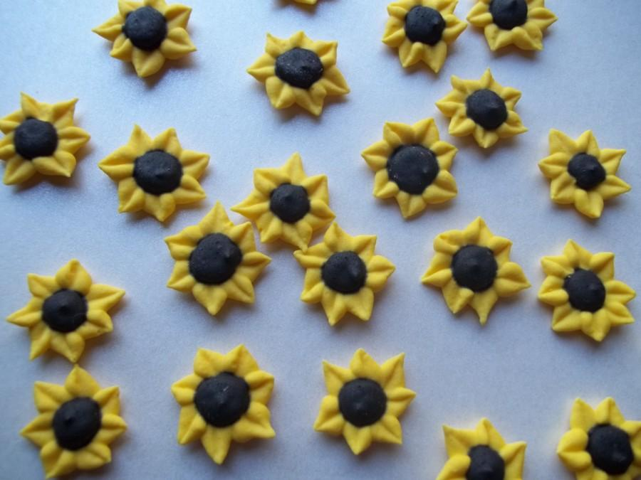 Royal Icing Mini Sunflowers -- Autumn Fall -- Cake Decorations ...